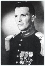 """BEAUMONT Serge capitaine """"L'officier au combat est un seigneur"""" -1er RCP en 1949 - 9e RCP en Algérie mort au Champ d'Honneur le 27 avril 1957 Bv000001"""